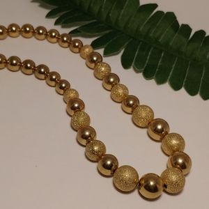 Vintage Gold Beaded Necklace!